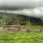 Life is a highway... Just another day on the old Mumbai-Pune highway, as seen from Pune local. #India #Maharashtra… https://t.co/PEPpRhFz25