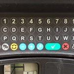 A já si naivně myslel, že jak má vypadat klávesnice, se tak nějak už ví... (nový parkovací automat na Andělu) https://t.co/nzAkWcV0lp