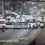 Bloqueada la #CalzadaAguilarBatres norte #zona12, se desplazan hacia el #TráficoGT de #AvenidaBolívar. Precaución. https://t.co/YnSPd8jfOh