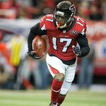 The Falcons have released WR/Returner Devin Hester. READ: https://t.co/7ilb0tuh90 https://t.co/jpPpZ3kRwN