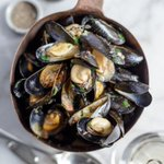 Get down the Grapes tonight, the moules are back on at £10 with chips, fresh in this morning and downright delicious https://t.co/doTN0pNbzW