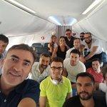Demokrasi nöbeti için Antalya yolunda çok değerli demokrasi sevdalısı sanatçılarımızla uçaktam bir kare.. https://t.co/l1bBBvrCYw