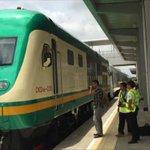 Rais Muhammadu Buhari wa #Nigeria azindua Treni za mwendo kasi nchini humo. Zinaweza kwenda 120km-150km kwa saa- BBC https://t.co/BR7L6rFyxU