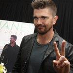 #LaPaz: Utilizan montaje de @Juanes por el NO y él termina dando cátedra por el SI https://t.co/5tmgcKQFTO https://t.co/fwHob0LBLO