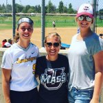 . @UMCoachKristi w/ Quinn Briedenbach&Sarah Hamre in SoCal. Madi Gimpl playing in the background! #UniteTheMasses https://t.co/yCoTX7XN2A