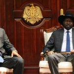Taban Deng Gai (L) aapishwa kuwa Makamu wa Rais Sudan Kusini akichukua nafasi ya Riek Machar aliyeko mafichoni. https://t.co/giICcvzKWZ