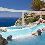 Do you know the history behind #Ibizas first 5 star hotel @NaXamenaIbiza? Read it here: https://t.co/B1YTdYBGWU https://t.co/aqOlv5MC3C