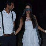 شاب #تونسي  يستدعي صديقته على العشاء ويفاجئها بطلب زواج مميز في حديقة الحب بقرطاج 😍❤❤  #تونس_المزيانة https://t.co/bZtIabREj2