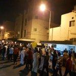 📷 حشود في #الدراز تتظاهر بعد صلاة الصبح دفاعا عن #آية_الله_قاسم #محاكمة_الطائفة_الشيعية #البحرين #Bahrain https://t.co/caxcxYe7KA