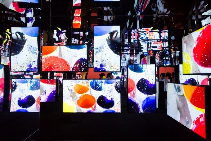 【レポート】ポール・スミス展が東京・上野で本日から開催 - ストライプが生まれるアトリエも再現、創造…
