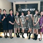 [PHOTO] Kegiatan JKT48 Team KIII mengunjungi @Bank_BNP KCP Sungkono Surabaya https://t.co/QfCZK2ULRb