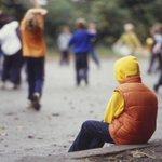 قد تشعر بالوحدة بين كثير من البشر وقد تشعر بالفرح بشخص واحد ، الأمُر ليسٓ متعلقا ًبعدد من حولك بل بقلب من بجانبك https://t.co/2opRV665VT