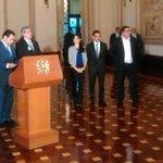 Presidente @jimmymoralesgt presenta a @hernandezmack como nueva ministra de Salud. Vía @contrerasGEO_PL https://t.co/sc18cTDrj9