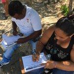CARTAGENA firma por la defensa de la democracia! #RESISTENCIA CIVIL! @AlvaroUribeVel @FNAraujoR @cmbustamante https://t.co/Vp272YY5ld