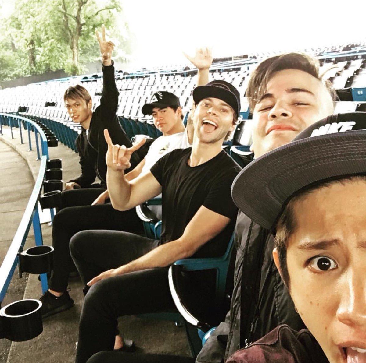 【ONE OK ROCK・Takaさんのinstagramより】 5SOSのカラムやアシュトンと一緒…