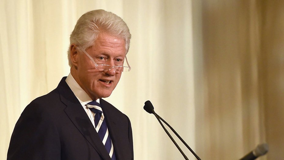 Watch Bill Clinton speak live at the DNC