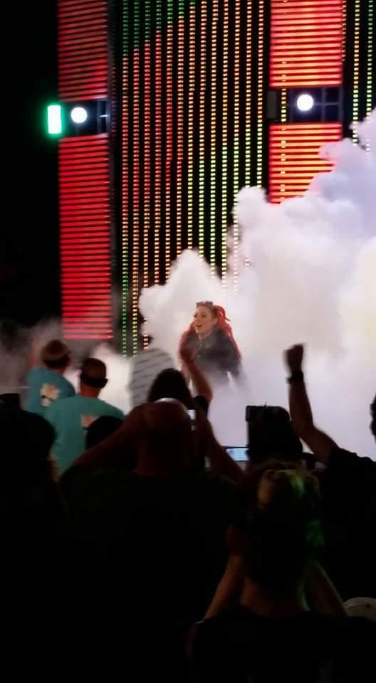 My girl @BeckyLynchWWE rocked the ring tonight against @NatbyNature #BeckyBalboa #SDLive https://t.co/2VBnW4kbai