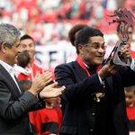 Hoje é dia de Eusébio Cup 🏆 #CarregaBenfica https://t.co/RX4c5vo9YW