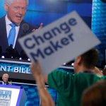 Bill Clinton is een grandioze spreker, maar ook een probleem voor Hillary