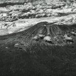 A very sad photo of #Kilimanjaro #Tanzania #WhereIsTheSnow :( https://t.co/pDHKpX1vZQ