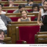 Wonderful photo of a Catalanophobe, screaming at the President of Catalonia, who incarnates confidence and serenity. https://t.co/0HPReDqUDk