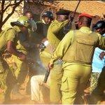 Mahakama kuu Iringa imemuhukumu miaka 15 mshtakiwa wa mauaji ya mwandishi wa habari Daud Mwangosi, Pacificus Simon https://t.co/XCCr4FBM4Q
