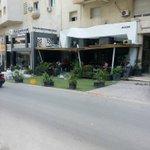 La prochaine étape, le gars va sapproprier lAv.Hédi Nouira .. 🤔 #WTF #Tunisie #OnlyInTunisia #همجّة #قلّة_حياء https://t.co/FWLgR7UxsY