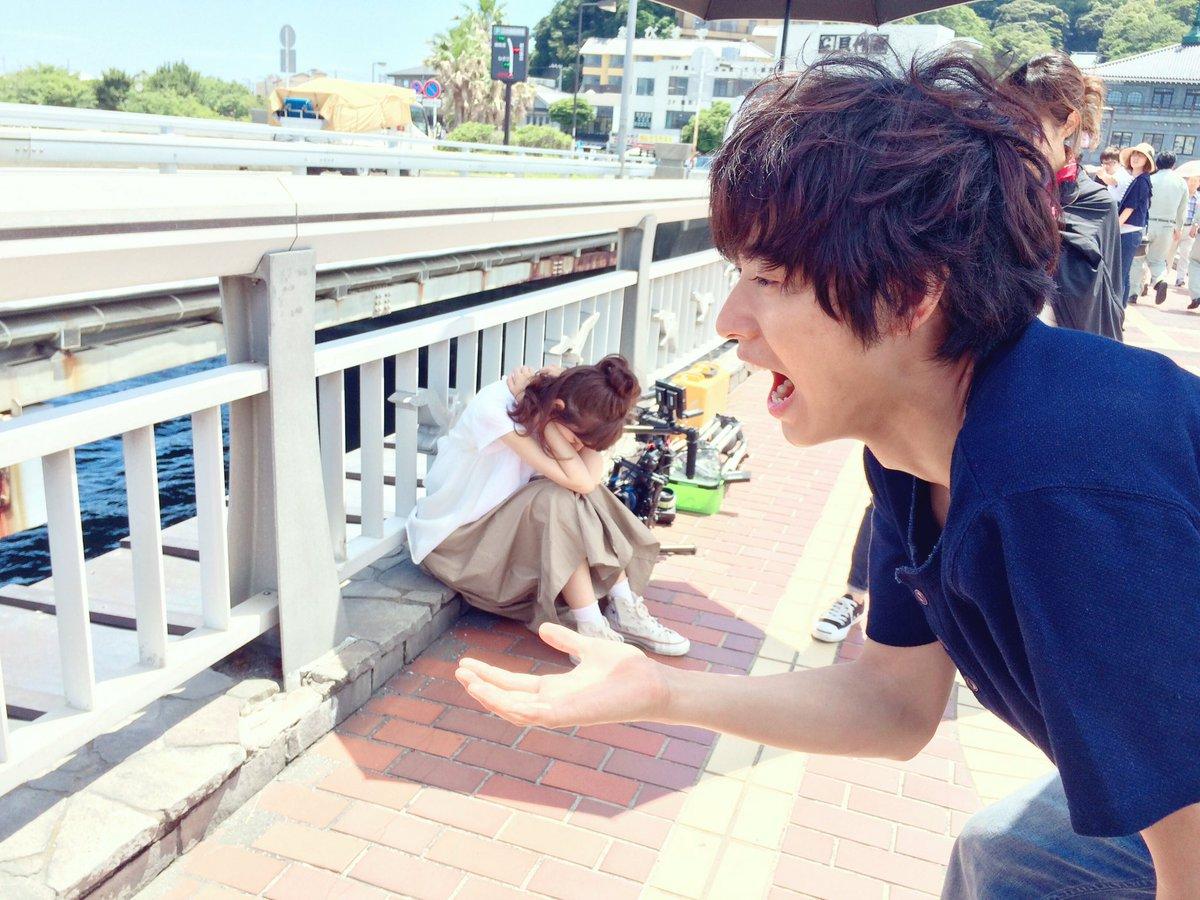 ちいさいスリーピー桐谷さんを食べようとする巨人の山﨑君👯 photo by三浦カメラマン📸  手元若…