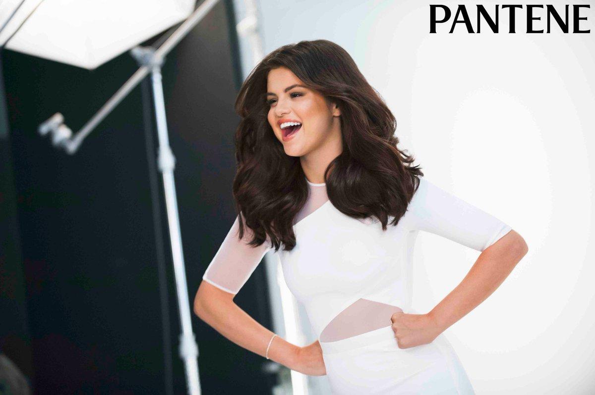 Namaste, @selenagomez India <3s you! #PanteneHair #SelenaXPantene https://t.co/57BTI35t7J