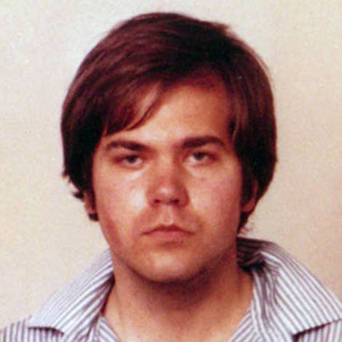 #BREAKING The man who shot President Reagan RELEASED #JohnHinckley more tonight 5pm the Vinnie Show LiVE on Facebook https://t.co/bFmUb2fIQd