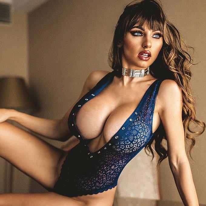 Caption this ? @Playboy @PlayboyPlus @PlayboyRadio @PlayboyTV @PlayboyMagSA @playboybrasil @PlayboyMX
