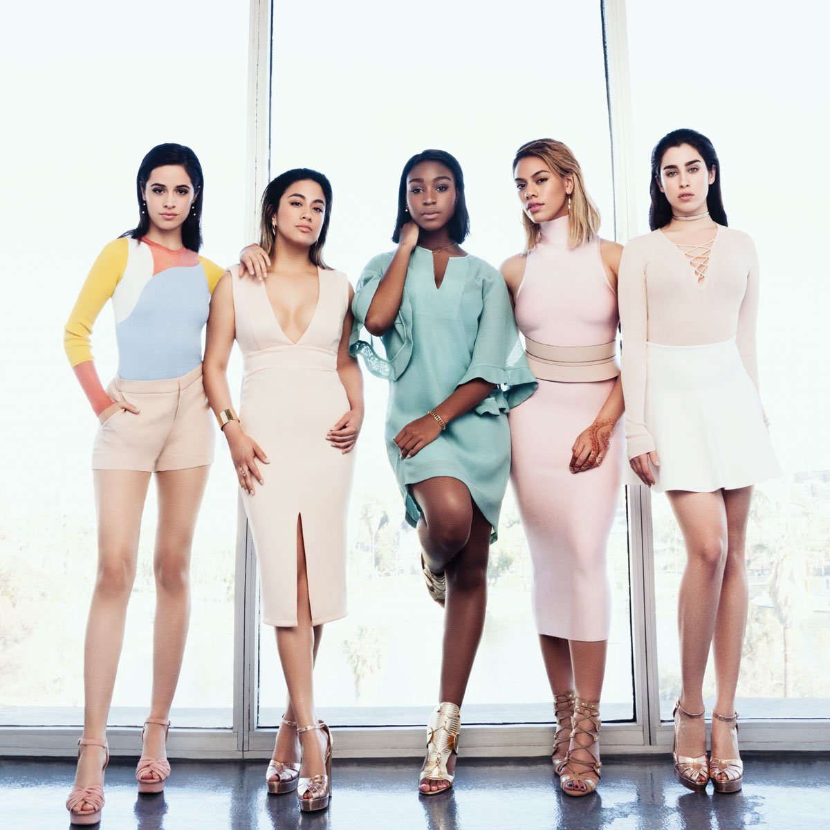 Why @FifthHarmony is the world's hottest girl group https://t.co/1NSJKJKAJ3  #4YearsOfFifthHarmony https://t.co/OpXGwqTT3n