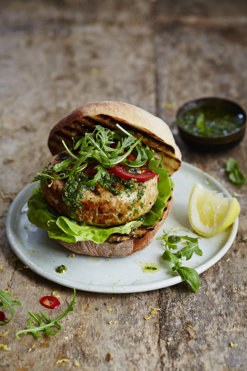 One for the weekend! These meaty #tuna burgers are great for the barbecue: https://t.co/7jI4Lo4KN5 #recipeoftheday https://t.co/aAIWiZ2Uv9
