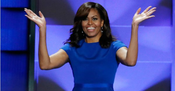 Michelle Obama looked flawless in this royal blue Christian Siriano dress: