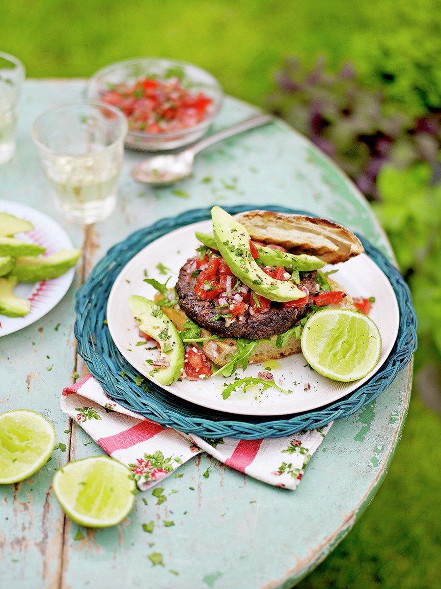 Happy #MeatFreeWeek loverly people Tuck in to my Mexican black bean burgers https://t.co/k4E8QSJ5BN #recipeoftheday https://t.co/qX769zT3xk