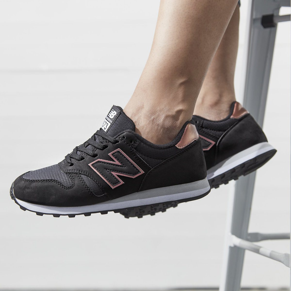 new balance 373 grey and rose gold