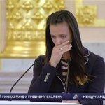 Двукратная олимпийская чемпионка Елена Исинбаева не сдержала слез, выступая с речью на проводах сборной России в Рио https://t.co/OJpg4jCeGw