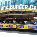 Grab a bite to eat at the new NY Burger Trailer in #Kissimmee. #lunchtime #FunSpot #Kissimmee https://t.co/uny0ylE8YP
