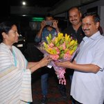 Pictures : West Bengal CM @MamataOfficial met Delhi CM @ArvindKejriwal and given best wishes for Punjab election. https://t.co/KWdxh2CdE9