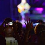 Fan a esta foto de la gala de #SanctiSpiritusEn26 #MiercolesDeGanarSeguidores #Cuba https://t.co/4NyYGQTND0