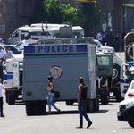 В Ереване освобожден один из медиков, взятый в заложники оппозиционерами . Читайте далее:https://t.co/8z5HBhJrbv https://t.co/1xocuSnVCC