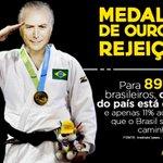 Em época de Olimpíadas a medalha de ouro em rejeição é do interino! #ForaTemer https://t.co/wr8uYSLgv1