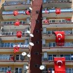 Wissen die Türken nicht in welchen Land sie sich befinden oder warum hängen in der Türkei ÜBERALL die Fahnen?^^ https://t.co/xCWVmmX6zf