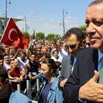 Türkische Regierung schließt 45 Zeitungen und 16 TV-Sender. https://t.co/pJ1ekr77vo https://t.co/GB47zjWZXZ