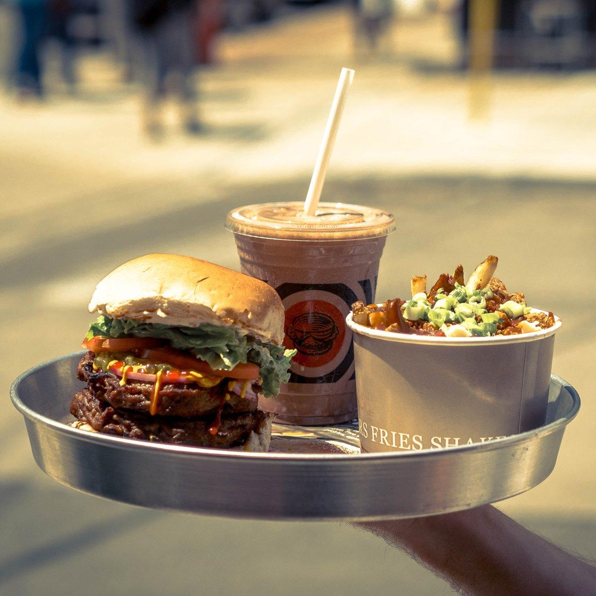 If you ain't cheatin' you ain't tryin'. #cheatday #southstburger #burgerlove https://t.co/KjhkN7CO01