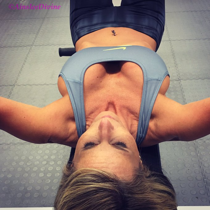 Getting my fitness on! #FitGirls #fitover40 #bigboobproblems #milf #flatstomach #spinner #grinding https://t