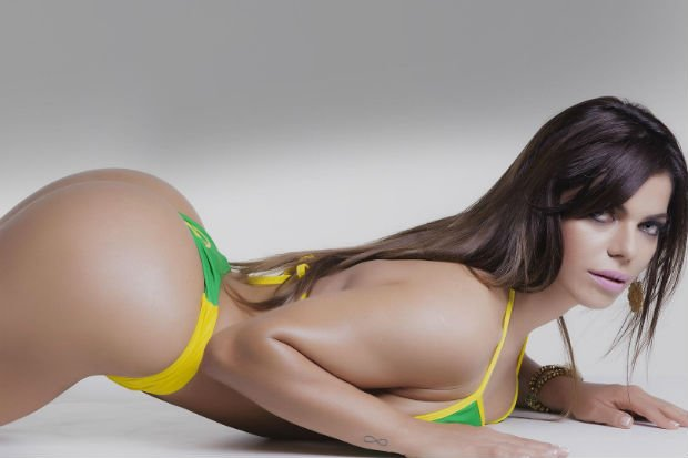RT @lacuarta: [Fotos] Miss Bumbum hizo body painting por los Juegos Olímpicos https://t.co/etc0A6bfjQ https://t.co/WNbX0hxjno