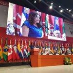 La Sra. @Lupita_Romero Presidenta del @difhgo reconoce a feministas y hombres con nueva masculinidad. https://t.co/WMOKKRoedi