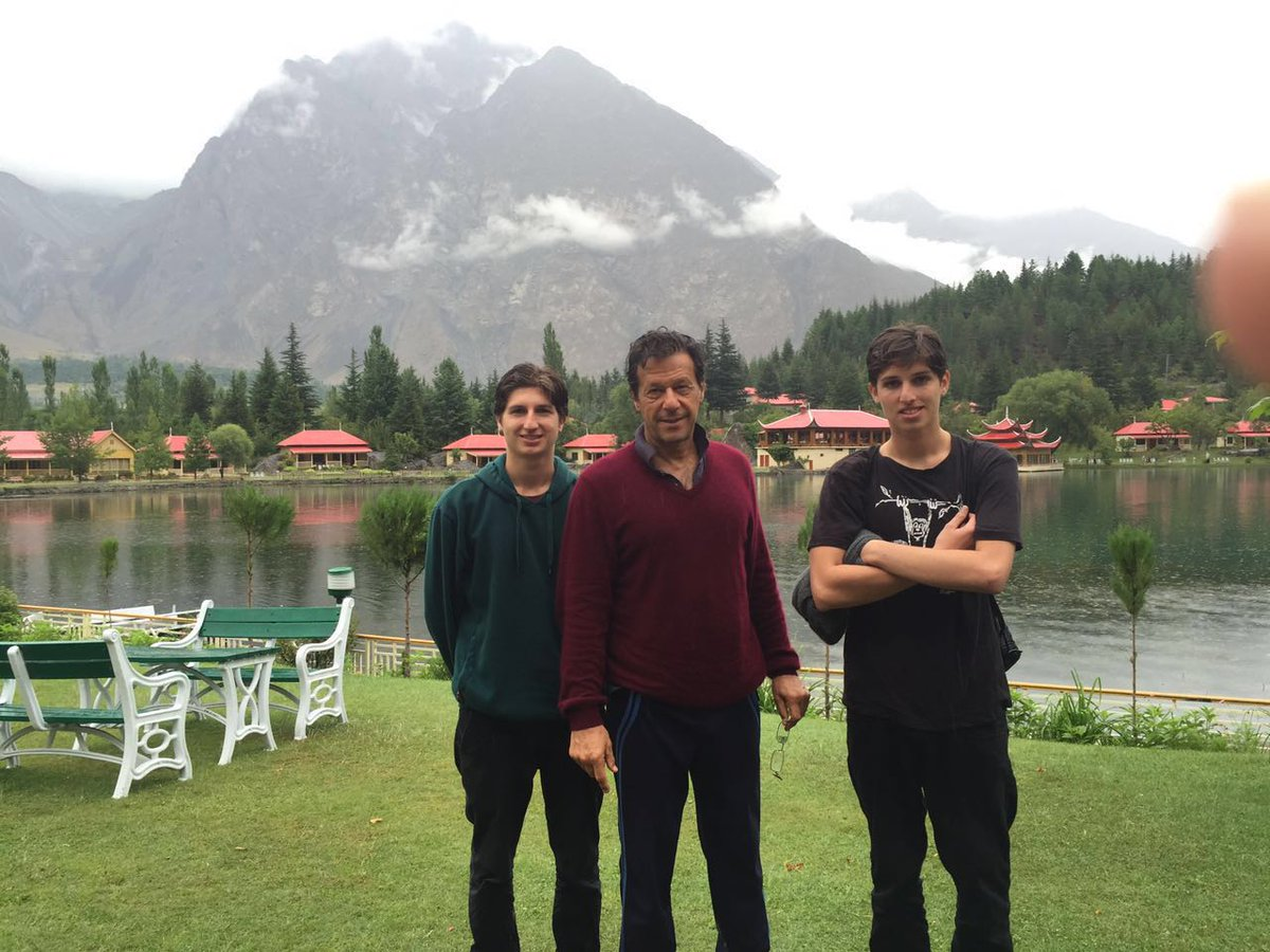 The only politician you would see on holidays in northern areas of Pakistan?  Ever seen Shareef or Zardari family?  https://t.co/osBnCHhta4