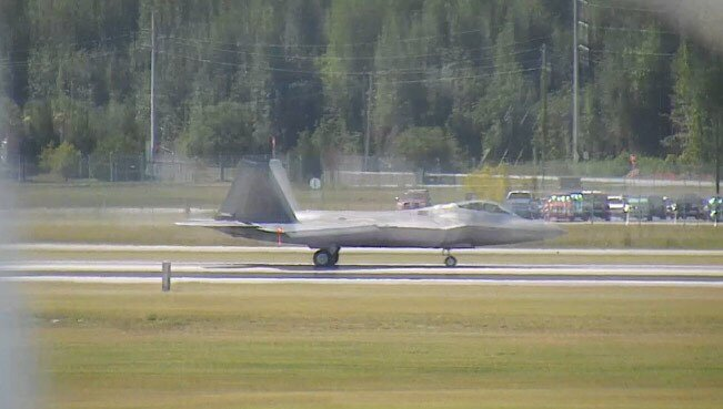 F-22 makes emergency landing at Savannah-Hilton Head Int'l Airport